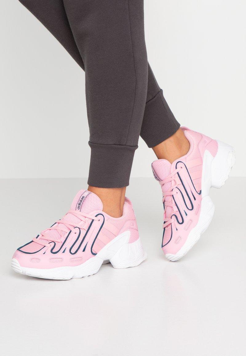 adidas Originals - EQT GAZELLE RUNNING-STYLE SHOES - Matalavartiset tennarit - true pink/tech mint