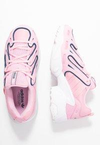 adidas Originals - EQT GAZELLE RUNNING-STYLE SHOES - Matalavartiset tennarit - true pink/tech mint - 3