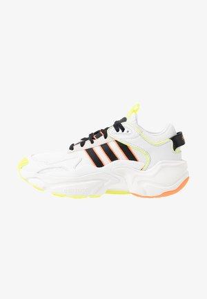 MAGMUR RUNNER ADIPRENE+ RUNNING-STYLE SHOES - Baskets basses - crystal white/core black/footwear white