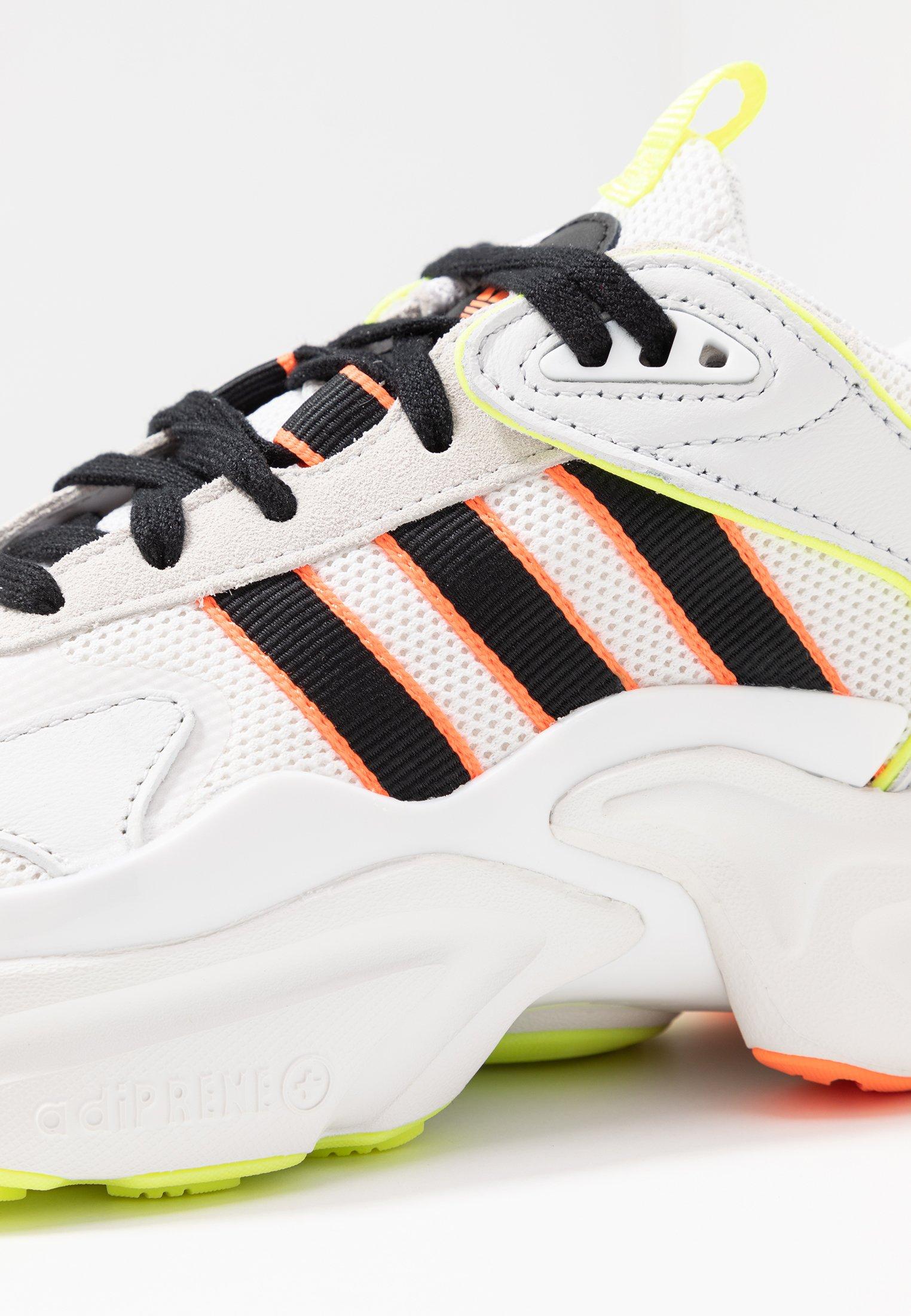 adidas Originals MAGMUR RUNNER ADIPRENE+ RUNNING-STYLE SHOES - Baskets basses crystal white/core black/footwear white