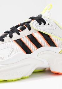 adidas Originals - MAGMUR RUNNER ADIPRENE+ RUNNING-STYLE SHOES - Sneakersy niskie - crystal white/core black/footwear white - 2