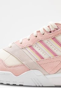 adidas Originals - A.R. TRAINER - Trainers - core white/true pink/orchid tint - 2