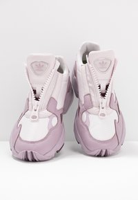 adidas Originals - FALCON ZIP - Trainers - orchid tint/soft vision/purple beauty - 7