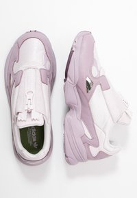 adidas Originals - FALCON ZIP - Trainers - orchid tint/soft vision/purple beauty - 3