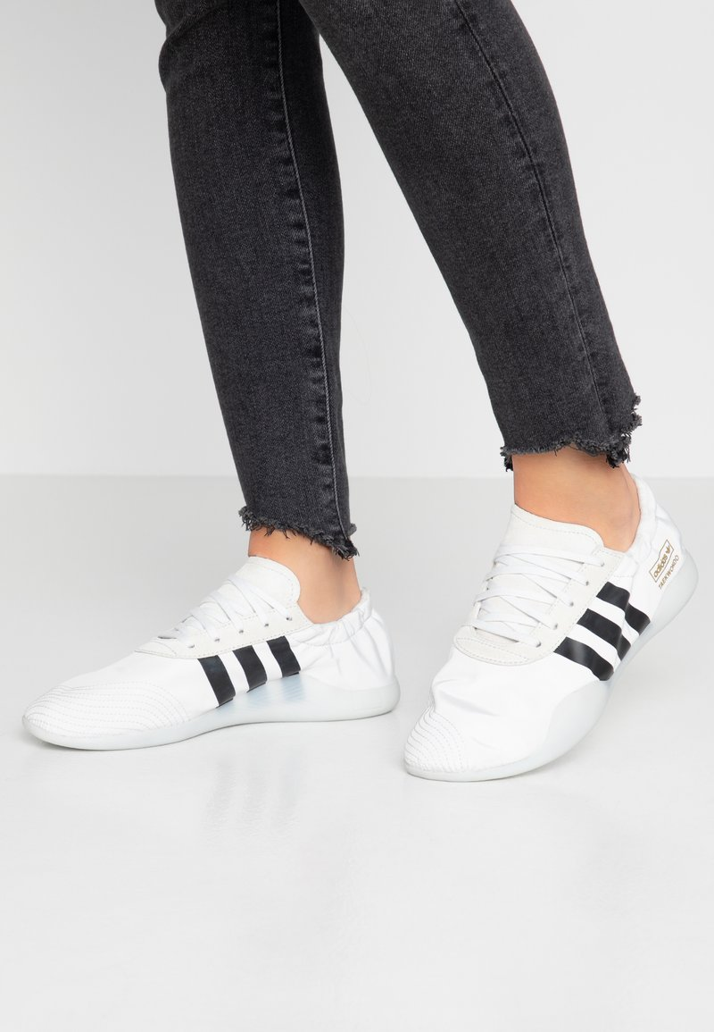 adidas Originals - TAEKWONDO TEAM - Sneakers - crystal white/core black/footwear white