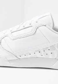 adidas Originals - CONTINENTAL 80 SKATEBOARD SHOES - Sneakers laag - footwear white/crystal white/core black - 2