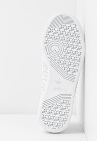adidas Originals - CONTINENTAL 80 SKATEBOARD SHOES - Sneakers laag - footwear white/crystal white/core black - 6