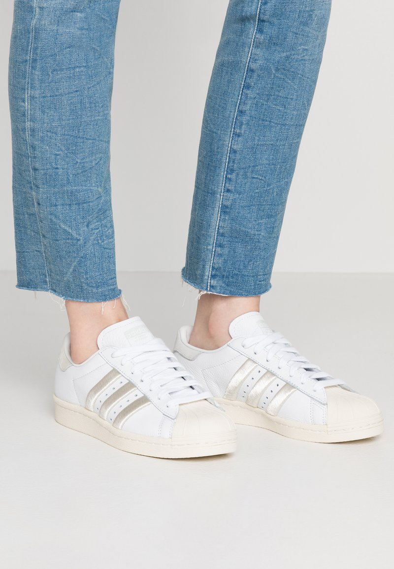 adidas Originals - SUPERSTAR 80S - Sneaker low - footwear white/grey one/offwhite