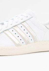 adidas Originals - SUPERSTAR 80S - Sneaker low - footwear white/grey one/offwhite - 2