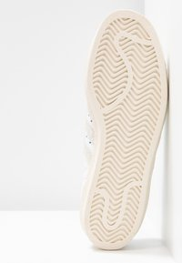 adidas Originals - SUPERSTAR 80S - Sneaker low - footwear white/grey one/offwhite - 6