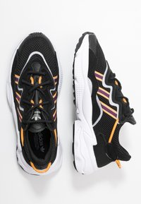 adidas Originals - OZWEEGO  ADIPRENE+ RUNNING-STYLE SHOES - Sneakers basse - core black/purple beauty/flash orange - 3