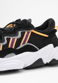 adidas Originals - OZWEEGO  ADIPRENE+ RUNNING-STYLE SHOES - Sneakers basse - core black/purple beauty/flash orange - 2