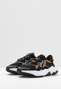 adidas Originals - OZWEEGO  ADIPRENE+ RUNNING-STYLE SHOES - Sneakers basse - core black/purple beauty/flash orange - 4