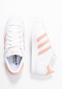 adidas Originals - SUPERSTAR - Sneaker low - footwear white/glow pink/core black - 3