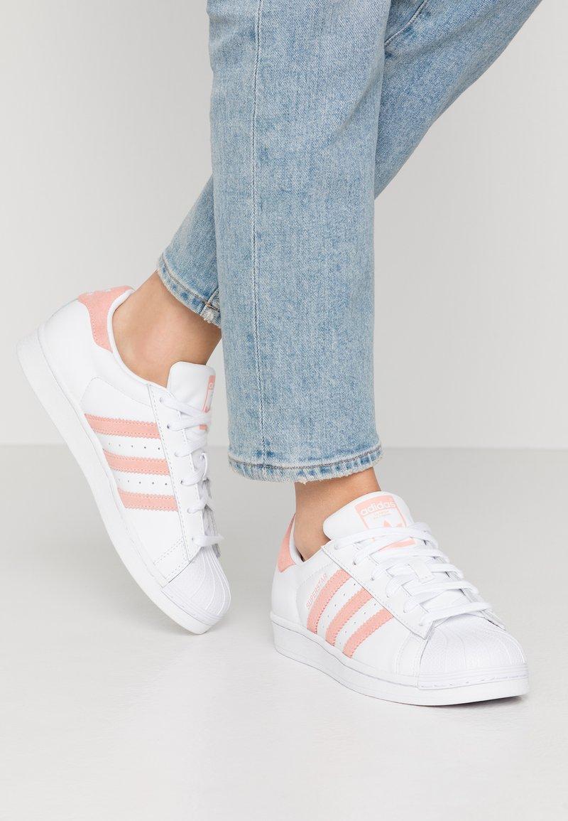 adidas Originals - SUPERSTAR - Sneaker low - footwear white/glow pink/core black