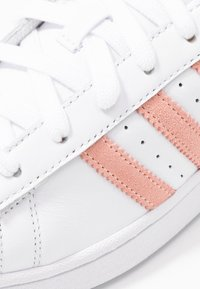 adidas Originals - SUPERSTAR - Sneaker low - footwear white/glow pink/core black - 2