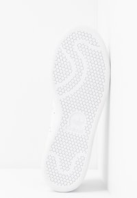 adidas Originals - STAN SMITH  - Sneakers - footwear white/collegiate burgundy - 6
