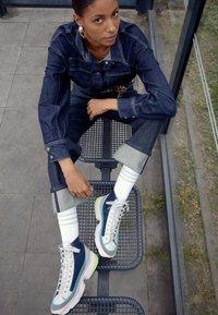 adidas Originals - KIELLOR XTRA - Korkeavartiset tennarit - collegiate navy/grey one - 3