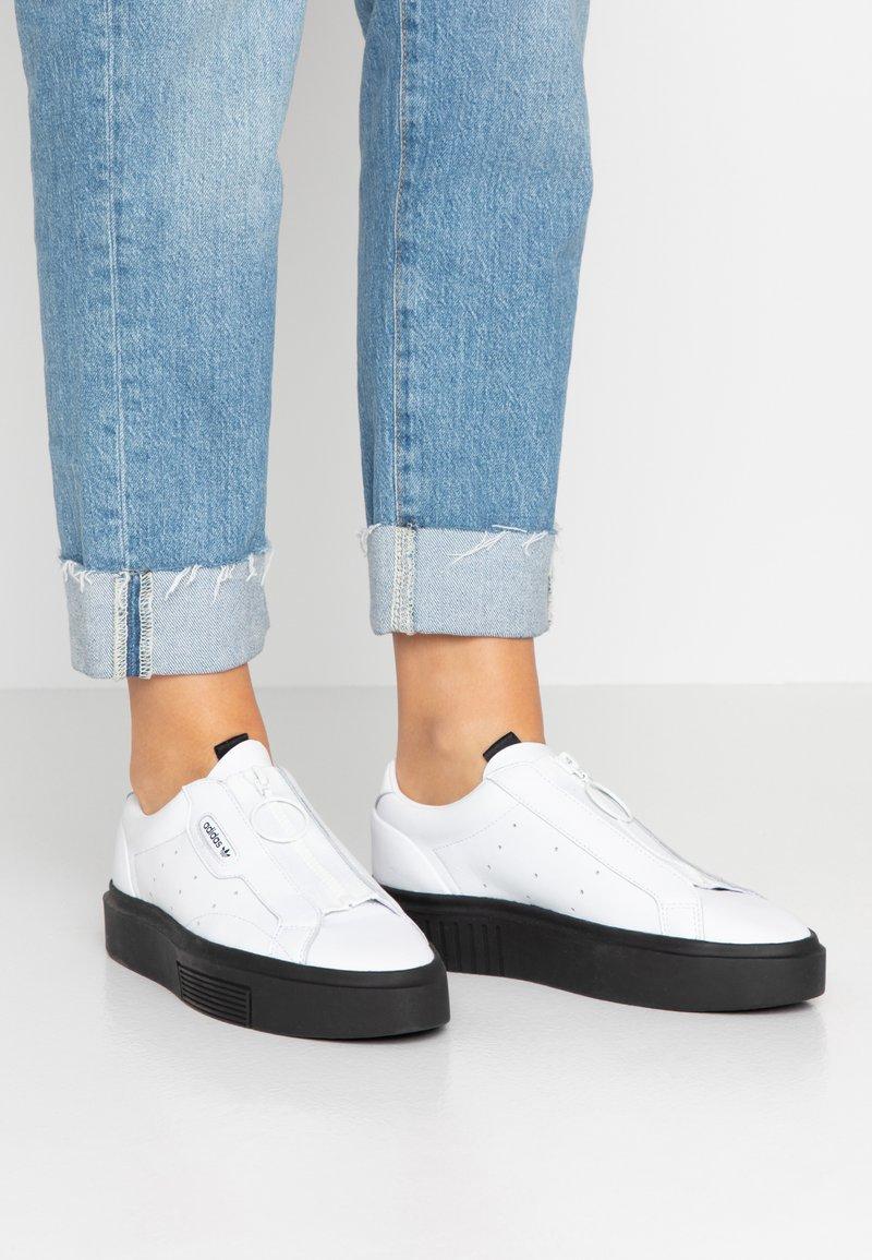 adidas Originals - SLEEK SUPER - Trainers - footwear white/core black