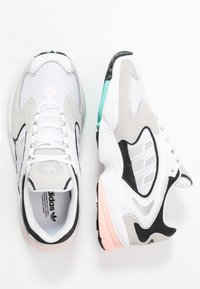 adidas Originals - FALCON 2000  - Sneakers - grey one/glover pink/core black - 5