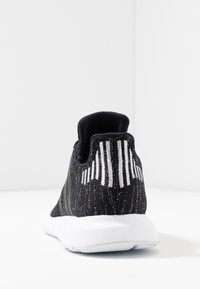 adidas Originals - SWIFT RUN  - Trainers - core black/silver metallic/footwear white - 5