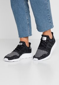 adidas Originals - SWIFT RUN  - Trainers - core black/silver metallic/footwear white - 0