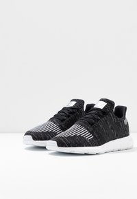 adidas Originals - SWIFT RUN  - Trainers - core black/silver metallic/footwear white - 4