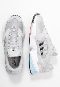 adidas Originals - FALCON 2000 - Baskets basses - grey two/core black/pink spice - 3