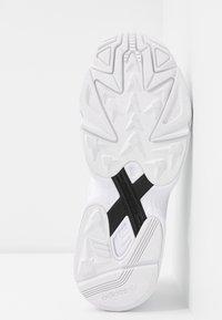 adidas Originals - FALCON 2000  - Sneakers laag - clear black/footwear white - 8