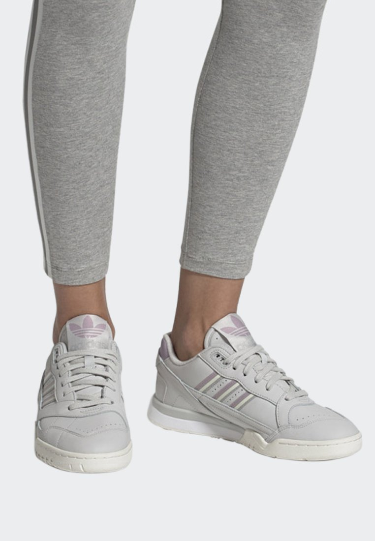 adidas Originals A.R. TRAINER SHOES - Sneakers basse grey
