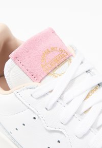 adidas Originals - SUPERCOURT - Trainers - footwear white/true pink - 2