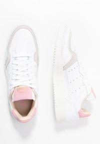 adidas Originals - SUPERCOURT - Trainers - footwear white/true pink - 3