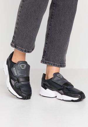 Trainers - core black/carbon/grey