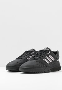 adidas Originals - TRAINER - Tenisky - core black/soft vision/grey four - 6