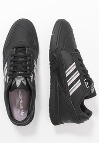 adidas Originals - TRAINER - Tenisky - core black/soft vision/grey four