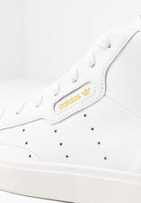 adidas Originals - SLEEK MID - Vysoké tenisky - footwear white/crystal white - 2
