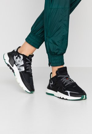 NITE JOGGER  - Joggesko - core black/carbon