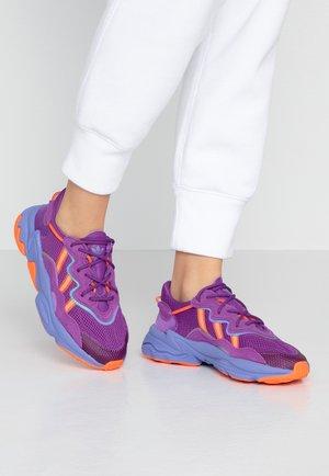OZWEEGO ADIPRENE+ RUNNING-STYLE SHOES - Sneakers laag - active purple/solar orange/chalk purple
