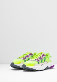 adidas Originals - OZWEEGO ADIPRENE+ RUNNING-STYLE SHOES - Tenisky - hi-res yellow/orchid tint/shock lime - 4