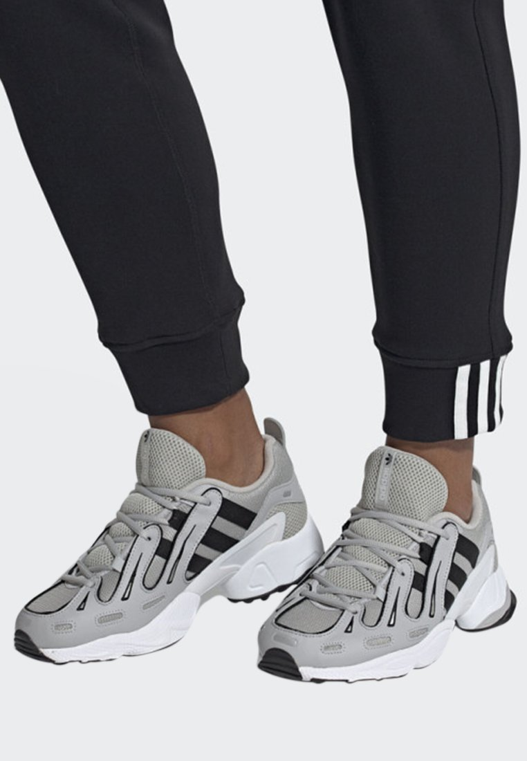 adidas Originals - EQT GAZELLE SHOES - Baskets basses - grey