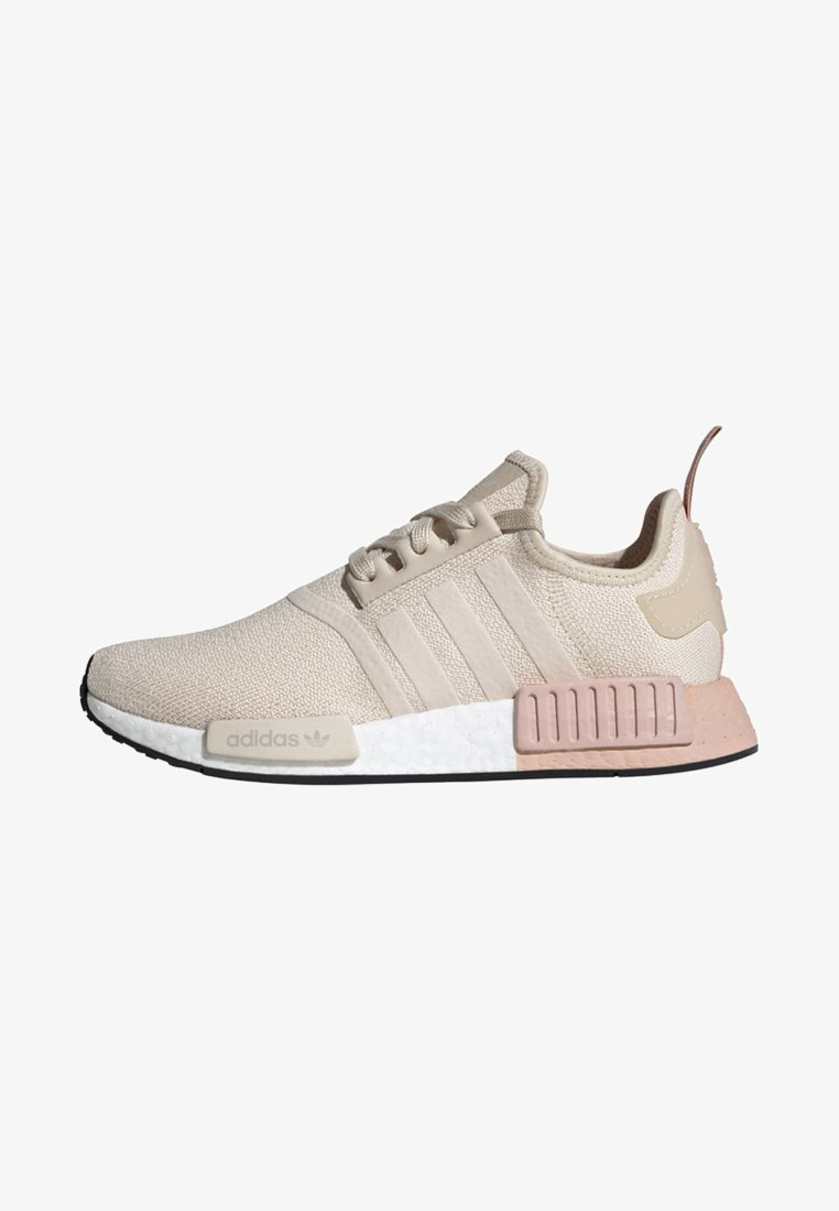 adidas Originals - NMD_R1 SHOES - Matalavartiset tennarit - beige