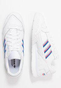 adidas Originals - TRAINER  - Trainers - footwear white/glow blu/shock red - 3