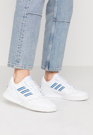 A.R. TRAINER - Sneakers laag - footwear white/blue/sky tint