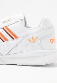 adidas Originals - A.R. TRAINER - Trainers - footwear white/amber tint/glow orange - 2