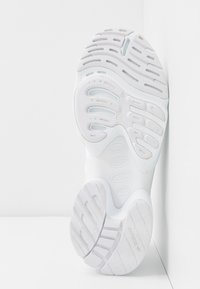 adidas Originals - EQT GAZELLE  - Joggesko - footwear white - 6