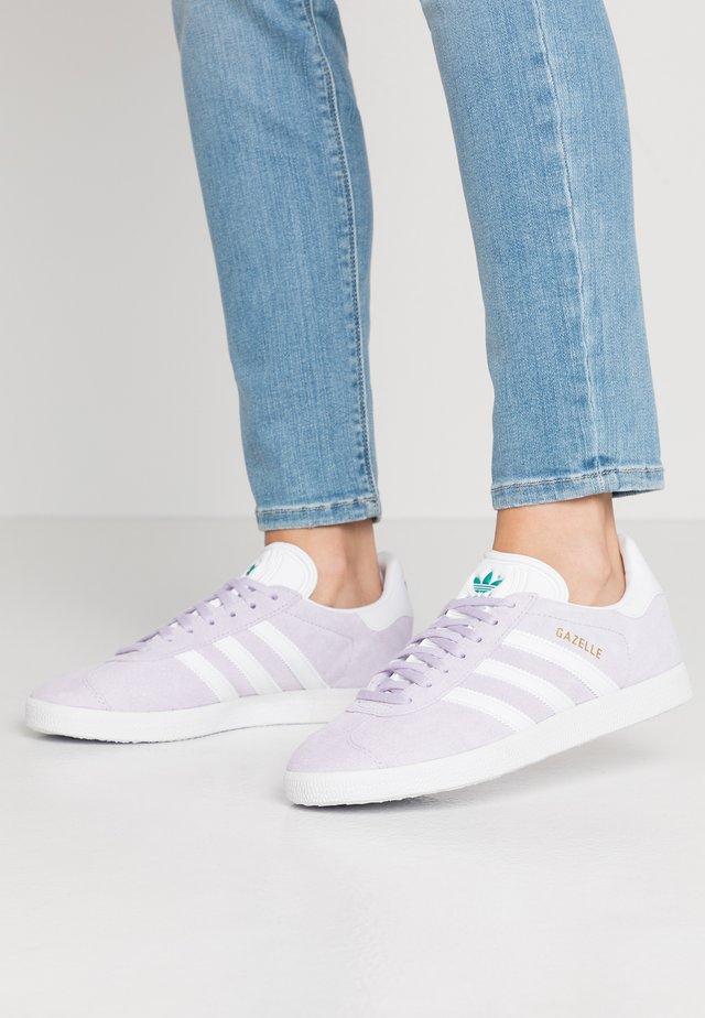 GAZELLE - Sneakers laag - purple tint/footwear white/glacier green