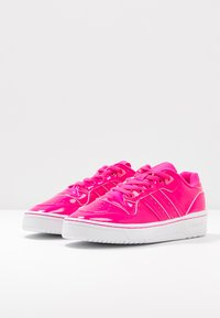 adidas Originals - RIVALRY - Trainers - shock pink/footwear white - 4