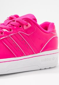 adidas Originals - RIVALRY - Trainers - shock pink/footwear white - 2