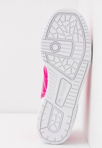 adidas Originals - RIVALRY - Trainers - shock pink/footwear white - 6