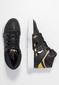 adidas Originals - DROP STEP  - Sneakers hoog - core black/gold metallic/footwear white - 3